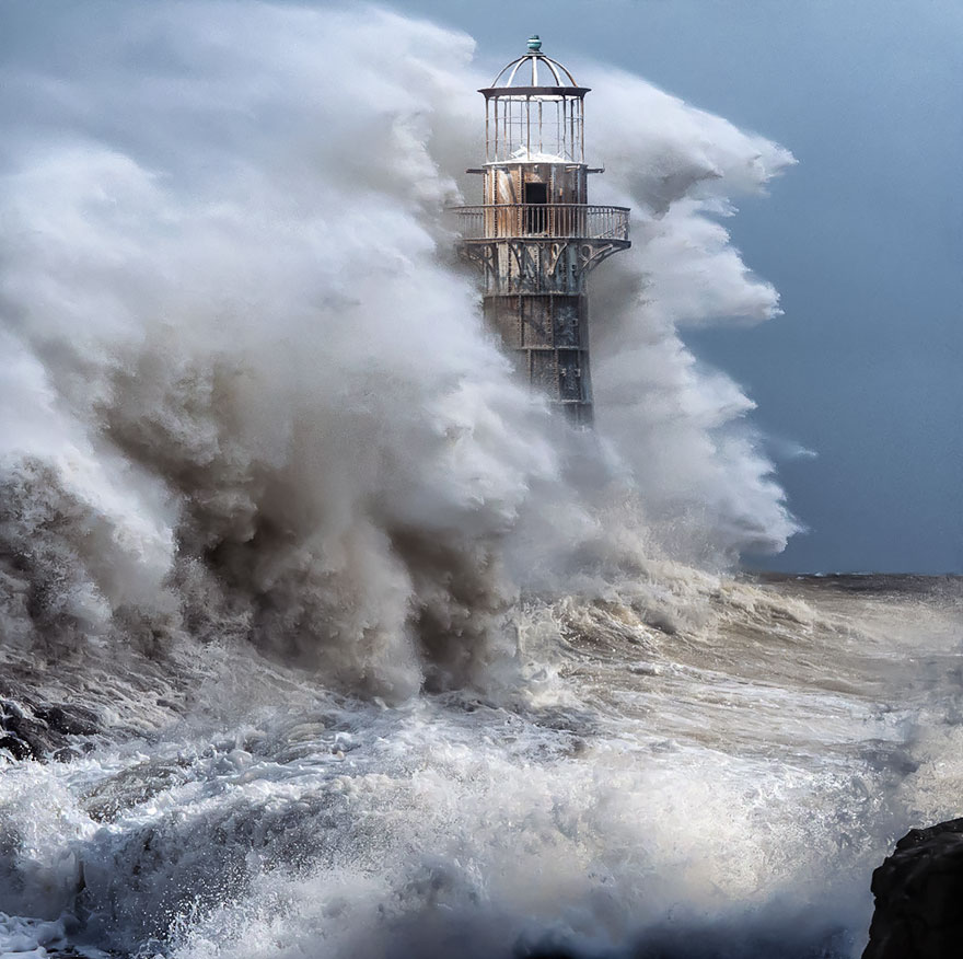 Breathtaking Photos Of Lighthouses That Have Stood The Test Of Time (28 Photos)