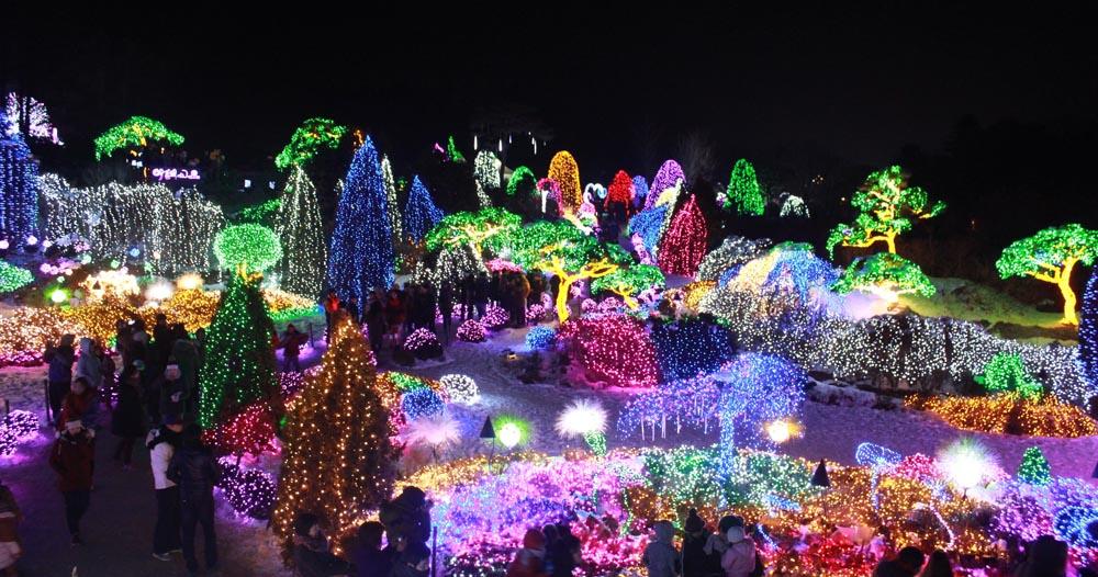 Celebration of Lights (13 Photos)