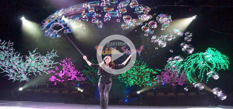 Ana Yang – Gazillion Bubble Performance – Video