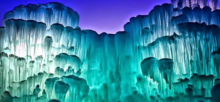 Ice Castles in Silverthorne, Colorado (6 Photos)