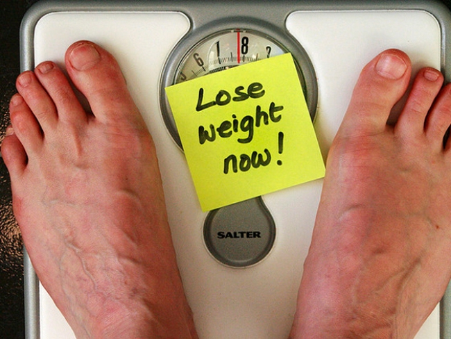 02weight-loss-scale-diet