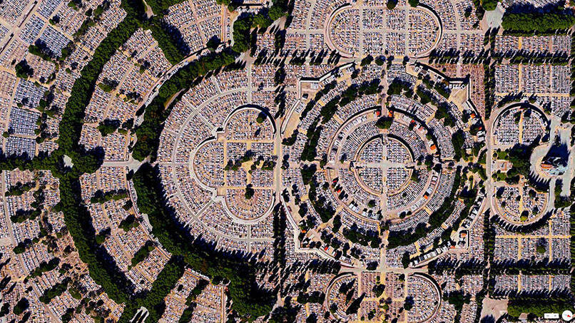 Our Lady of Almudena Cemetery, Madrid, Spain Satalite Images