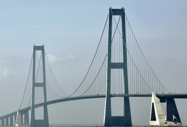 010Great_Belt_East_Bridge_denmark