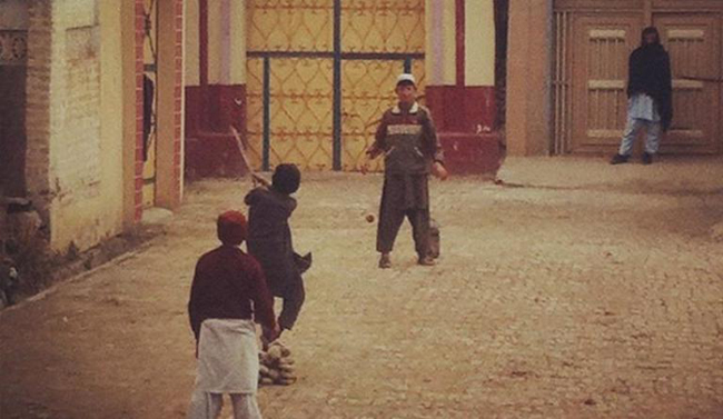 9- You can't be raised in Pakistan if you never played Cricket on the streets