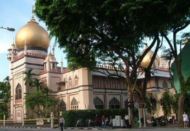 10.  Sultan Mosque, Singapore