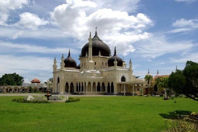 6.  Zahir Mosque – Kedah, Malaysia