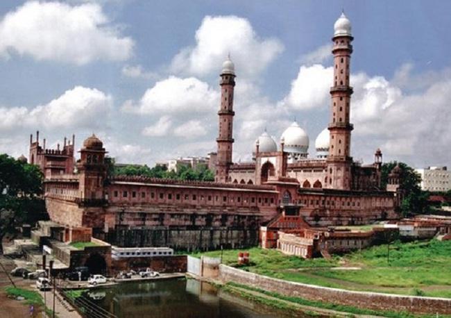 8.  Taj ul Mosque – Bhopal, India