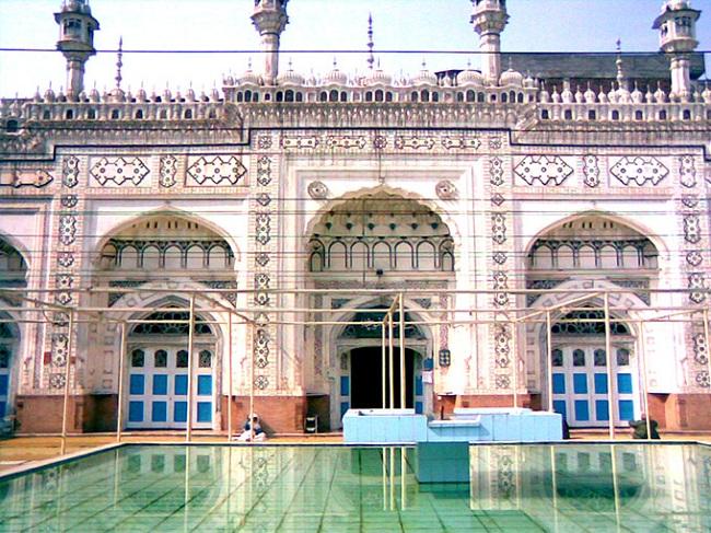 6.Mahabat Khan Mosque