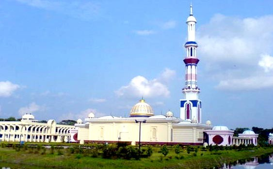 Baitul Aman Masjid (Mosque) in Barisal – Bangladesh (Photos)