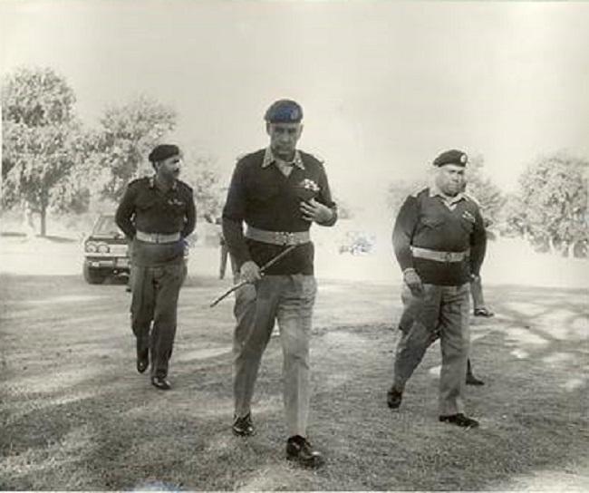 Miscellaneous Photos - September 1965 -  (58)