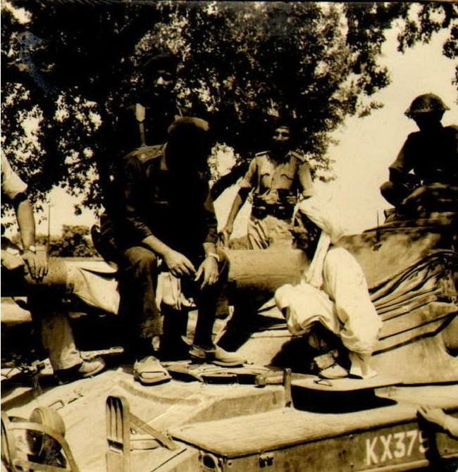 Miscellaneous Photos - September 1965 -  (95)