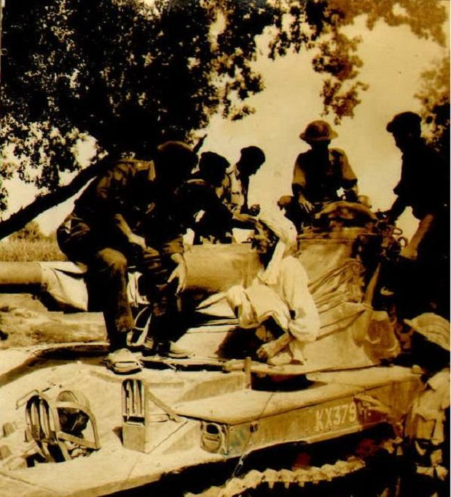 Miscellaneous Photos - September 1965 -  (96)