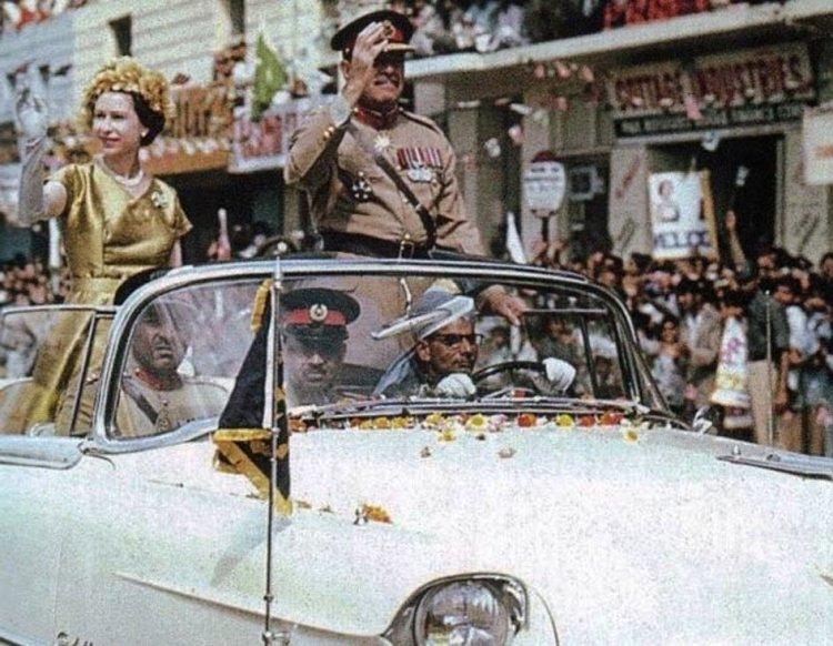 010Queen Elizabeth II visits Karachi_InfoMazza