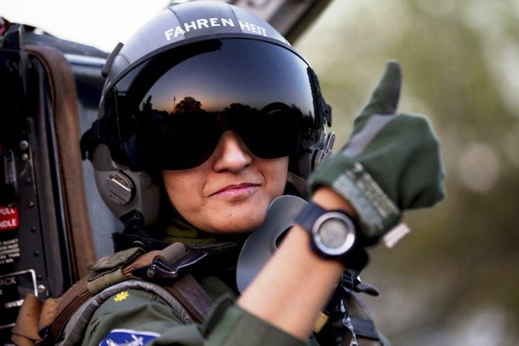 049Pakistan gets its only war-ready female fighter pilot_InfoMazza