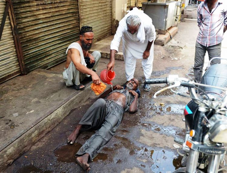 057Heatwave in Pakistan kills over 1000_InfoMazza