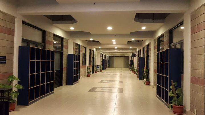 Iqra-University-North-Karachi-Campus-Hallway