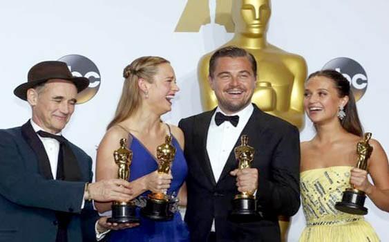 Oscars 2016: Leonardo DiCaprio Finally Wins His First Oscar for 'The Revenant'