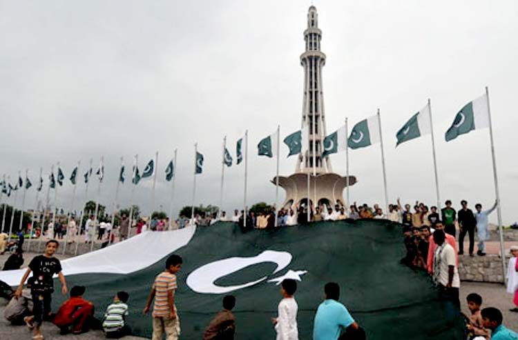 On-14-August-Celebrating-Independence-Day-Pakistan