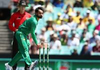 ICC bans Hafeez from bowling in international matches